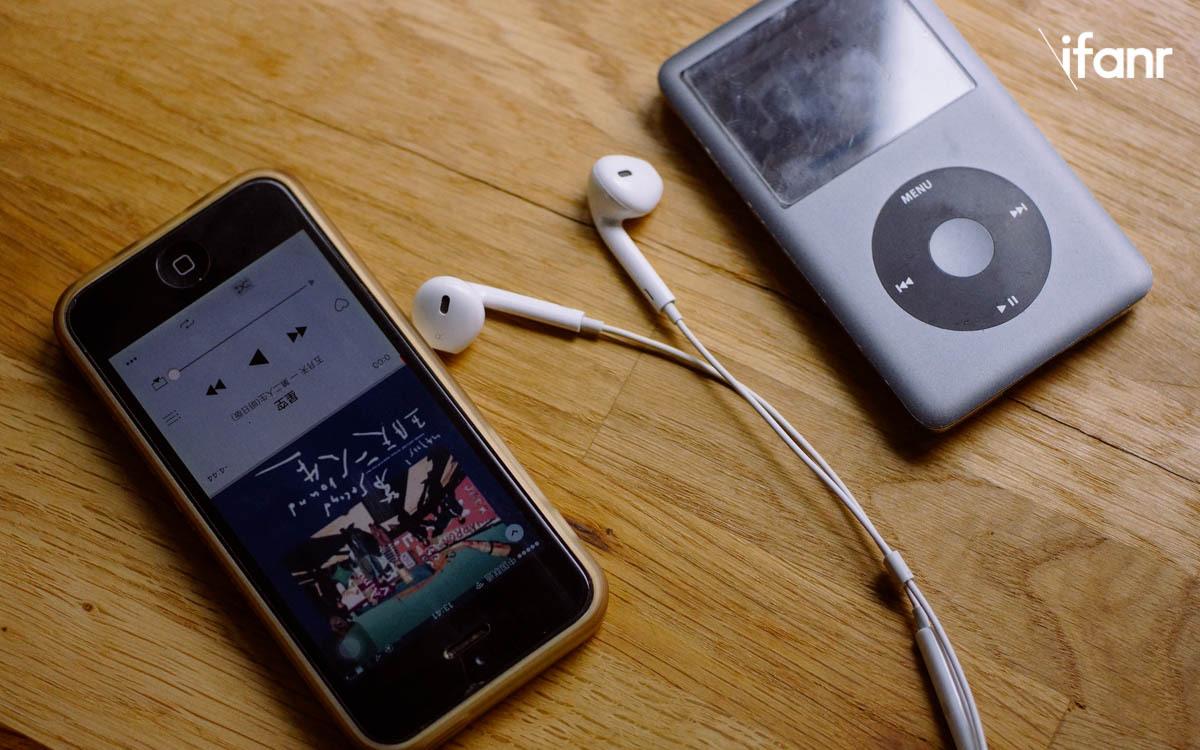 有位设计师做了款 Apple Watch 保护套,造型会让你想起那尘封已久的 iPod_0